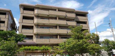 阪急神戸線「芦屋川」駅徒歩7分、専有173.78㎡・三方角部屋・最上階5階マンション