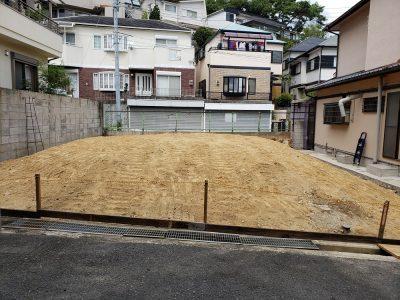 阪急甲陽園線「甲陽園」駅徒歩7分 土地面積約32.4坪 建築条件無し、更地渡し